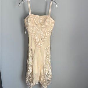 NWT! Sue Wong Ladies Cream Evening Dress